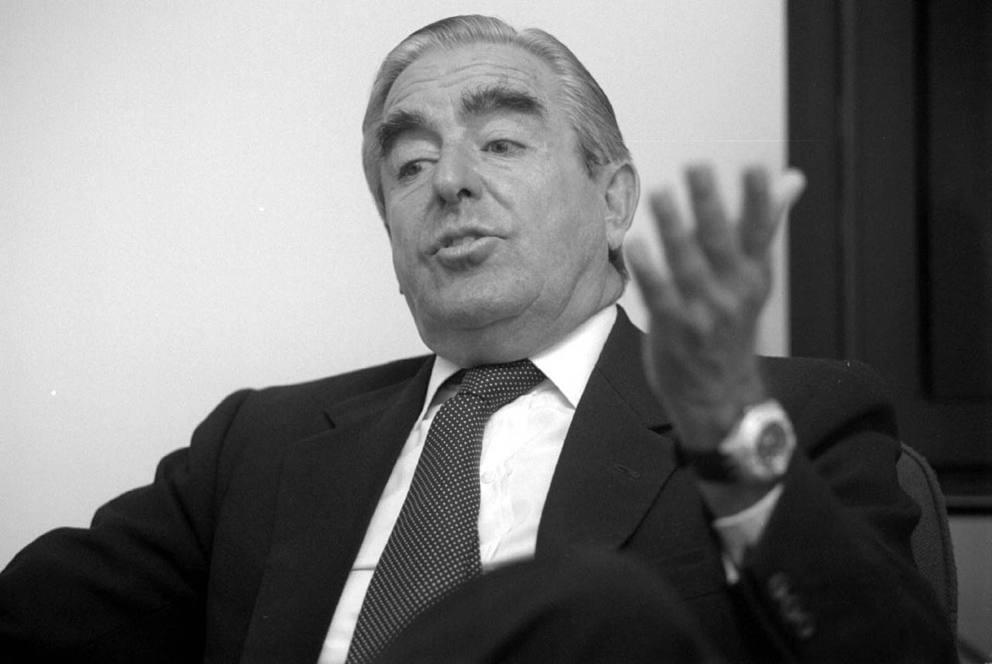 Mario d urso dal jet set al parlamento for Ultime notizie dal parlamento italiano