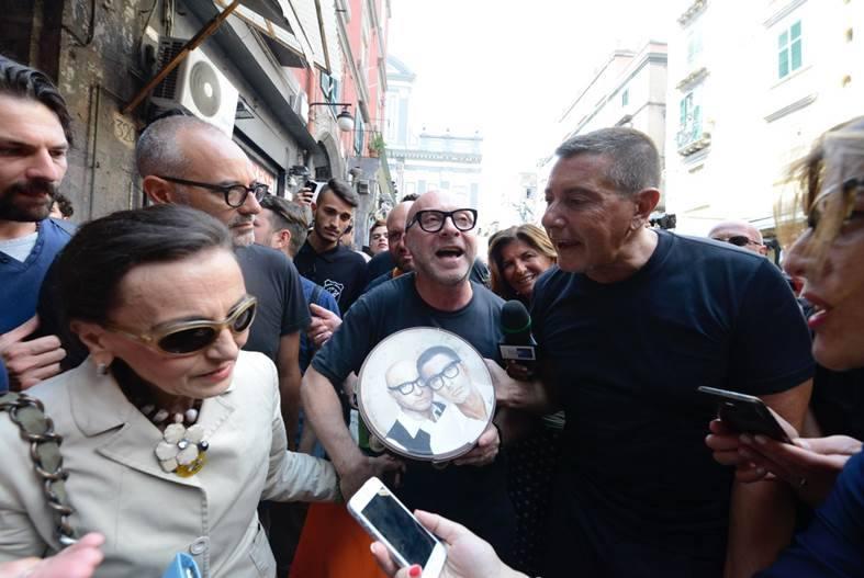 5081eabf7ae7 Dolce e Gabbana a Napoli