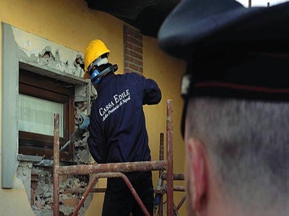 Abusivismo Edilizio Campania Ferita Non Demolito Il 97 Per Cento
