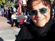 Il neomelodico Carmelo Zappulla grave in ospedale, preghiere social dei fan