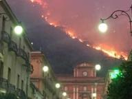 Sarno, arrestato l'autore dell'incendio della collina: è un 16enne