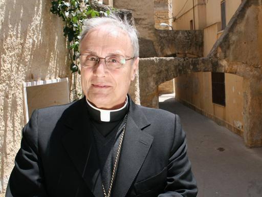 Il vescovo Mogavero contro Salvini: «Chi è con lui non può ...