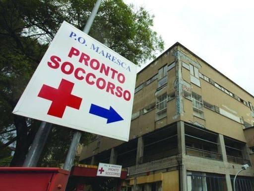 Torre del Greco, schiaffi, graffi e coltello nella rissa tra  consuocere: entrambe  in ospedale